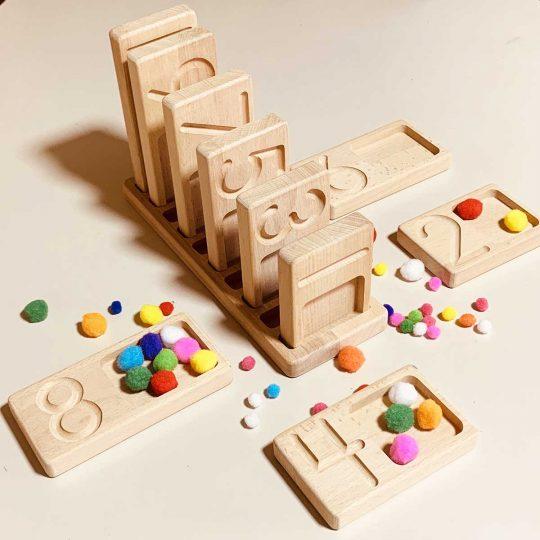 Tablero de conteo y numeración Montessori con hendidura - Creciente -