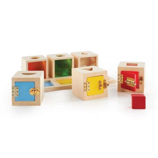 Peekaboo cajas cerraduras y formas