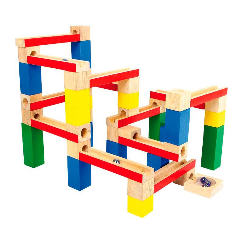 Pista de canicas de construcción en bloques