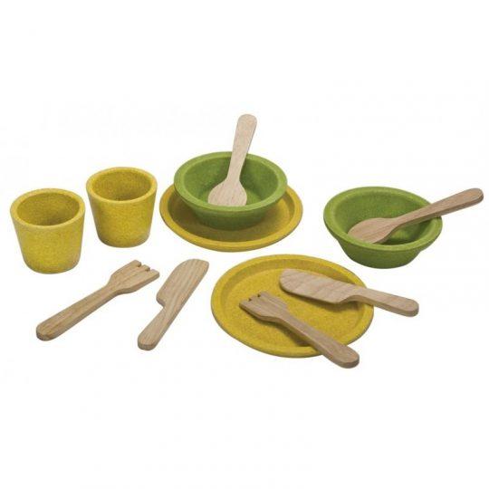 Platos y cubiertos de madera Plan Toys