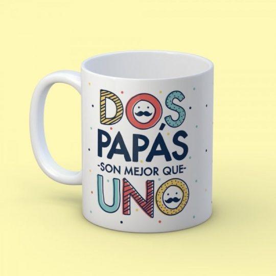 Taza 'Dos papás mejor que uno' (personalizada)