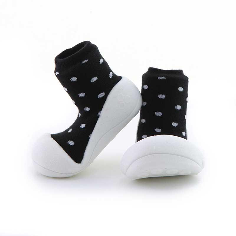 Zapatos Attipas Urban -negro topos-