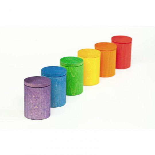 Cubiletes de colores con tapa
