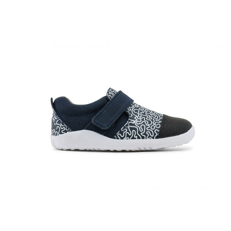 zapatillas-bobux-aktiv-navy-white-maze-monetes